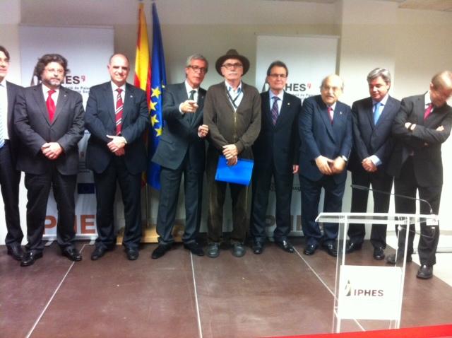 Imagen de las autoridades que inauguraron el IPHES.